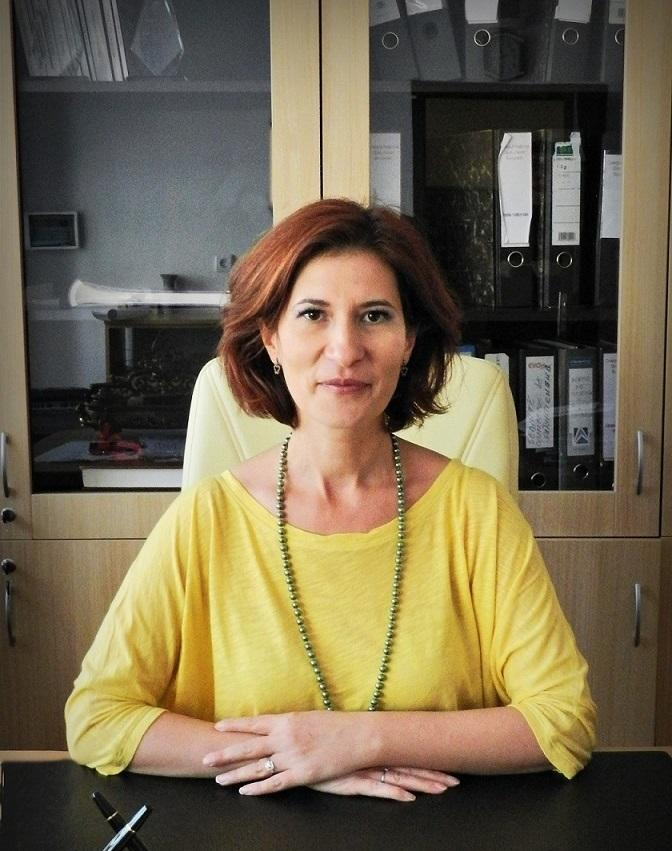 Director: Comanita Mariana